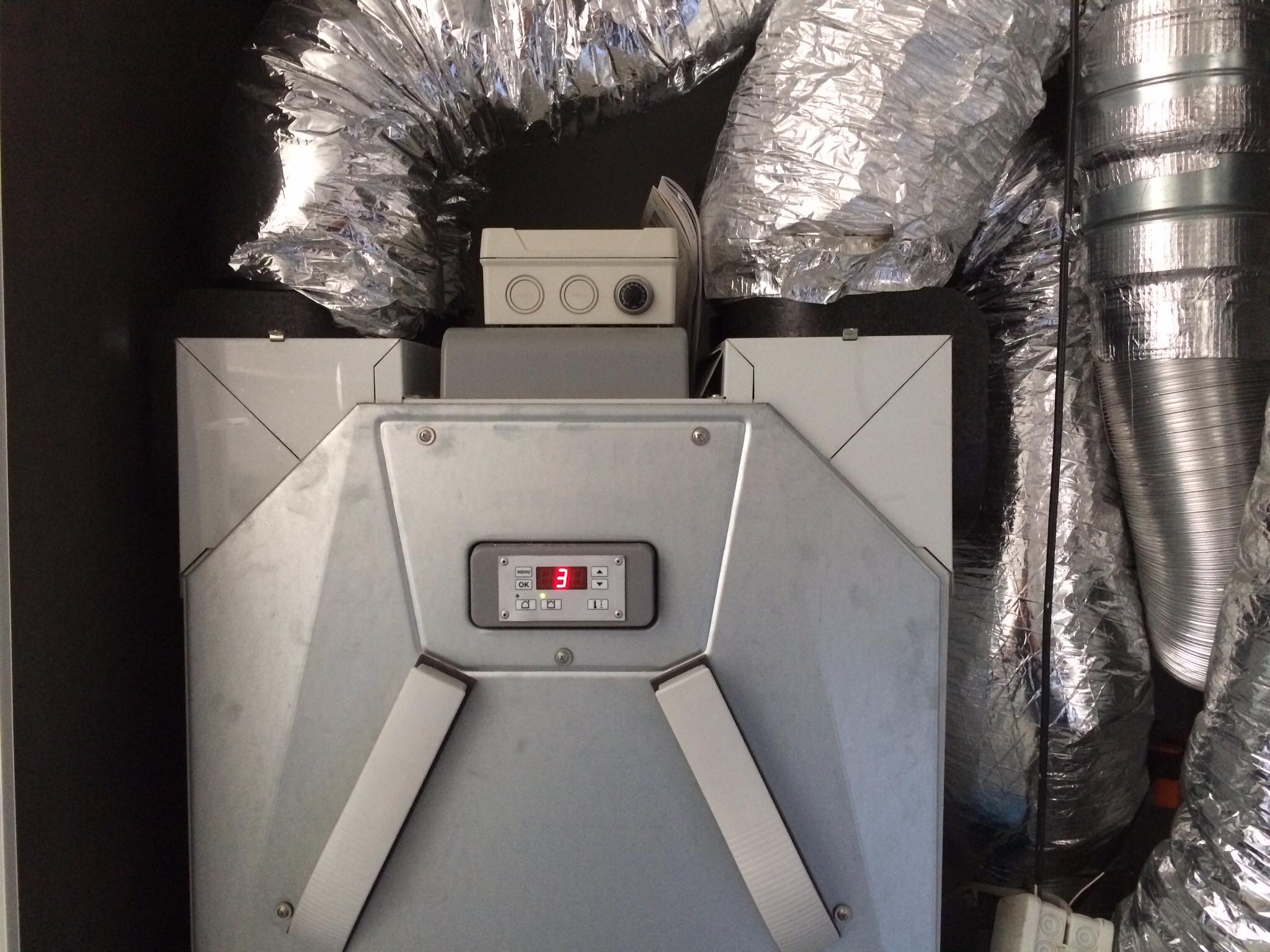 Lüftungsgerät 2 - 1 Raucher auf 180qm und 485 Kubikmetern Raumvolumen